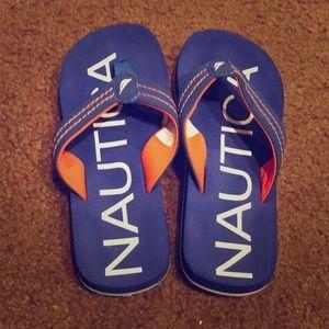 9aca8160383d Nautica boys flip flops